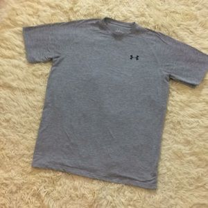 UA Medium Athletic Gray t shirt Med